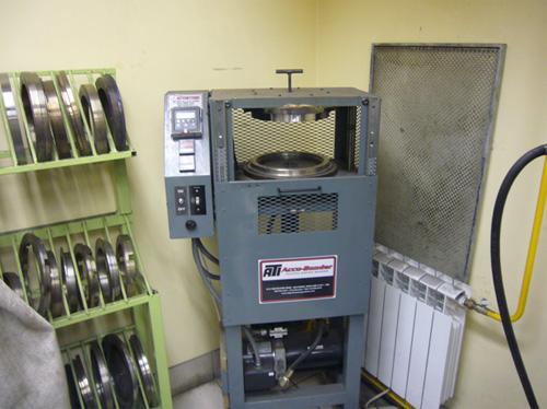Пресс-печь для наклеивания фрикциона блокировки гидротрансформатора